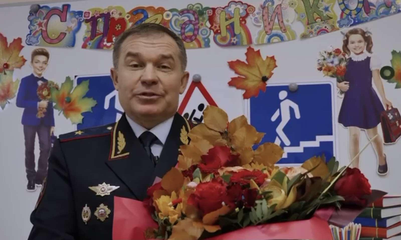 Госавтоинспекция Подмосковья поздравила учителей с праздником. Видео | Изображение 1