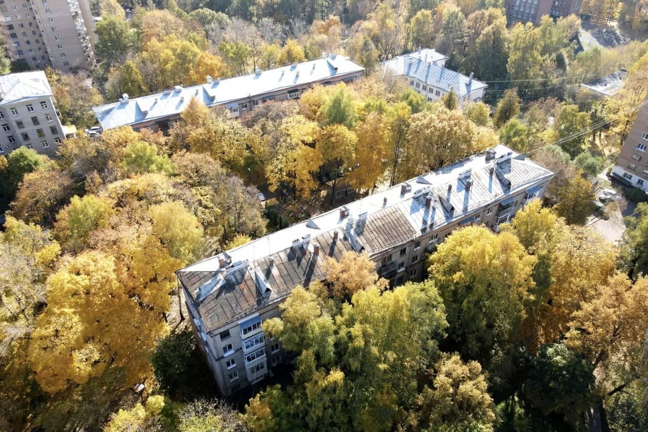 Состояние жилых домов еще в трех округах Подмосковья проверили с квадрокоптеров | Изображение 1